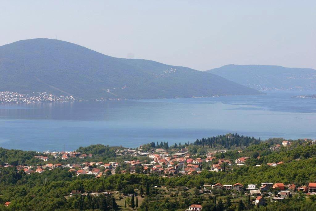 Земля в Тивате, Черногория, 2970 м2 - фото 1