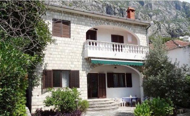 Дом в Доброте, Черногория, 180 м2 - фото 1