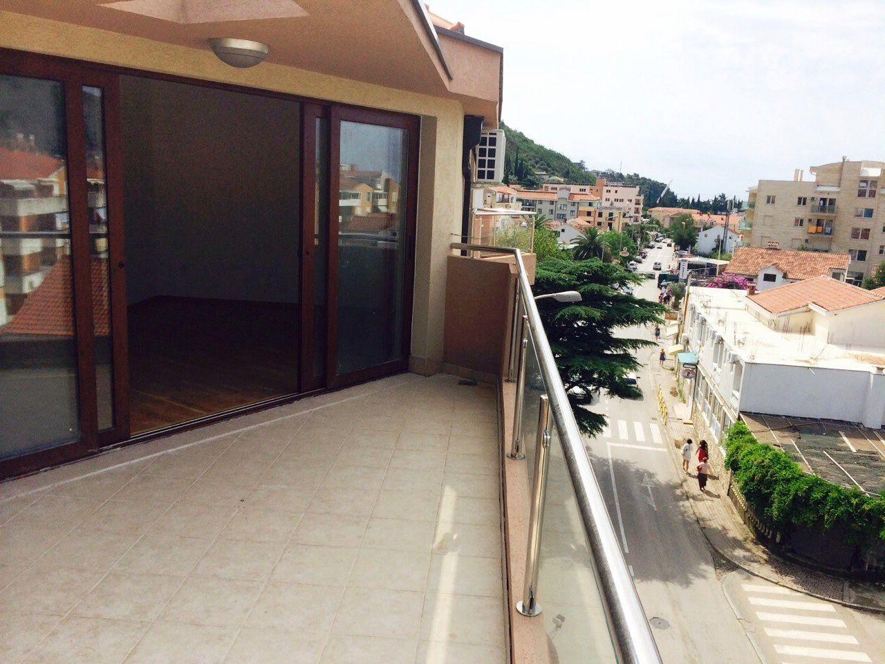 Квартира в Будве, Черногория, 72 м2 - фото 1