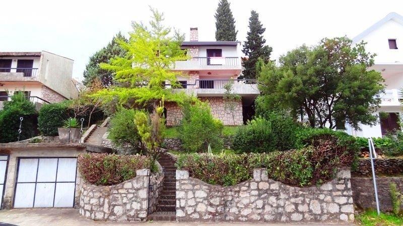 Дом в Крашичах, Черногория, 498 м2 - фото 1