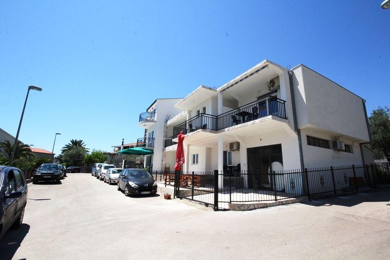 Отель, гостиница в Шушани, Черногория, 380 м2 - фото 1