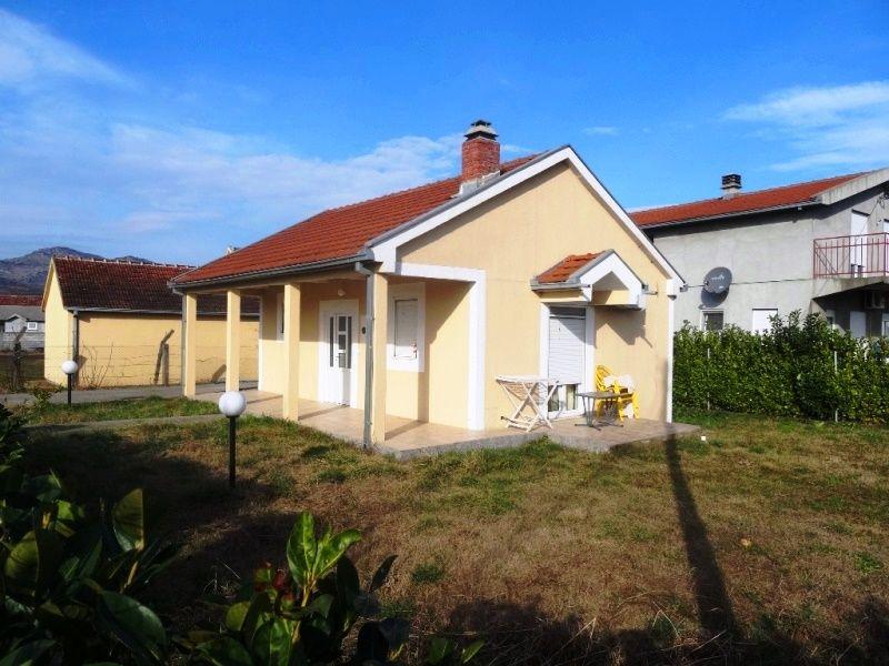 Дом в Подгорице, Черногория, 427 м2 - фото 1