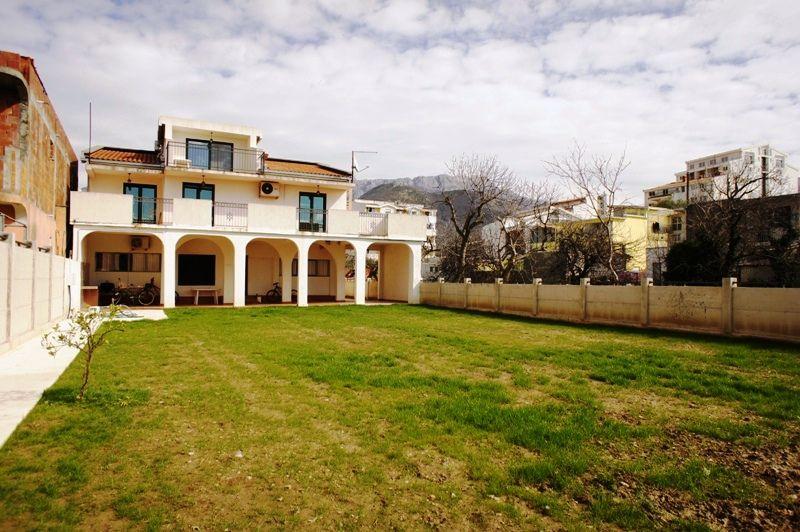 Дом в Баре, Черногория, 512 м2 - фото 1