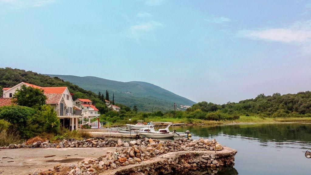 Земля на полуострове Луштица, Черногория, 1630 м2 - фото 1
