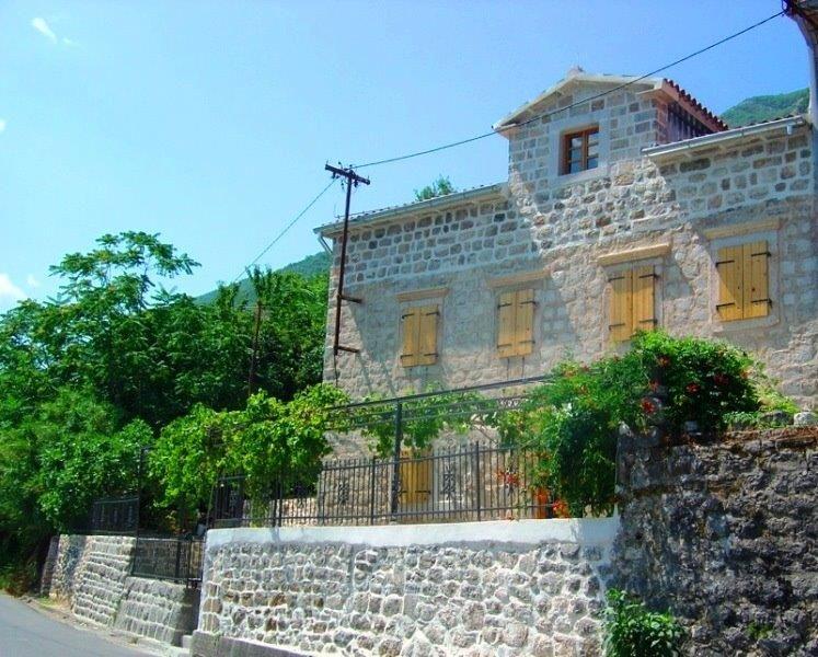 Дом в Прчани, Черногория, 100 м2 - фото 1