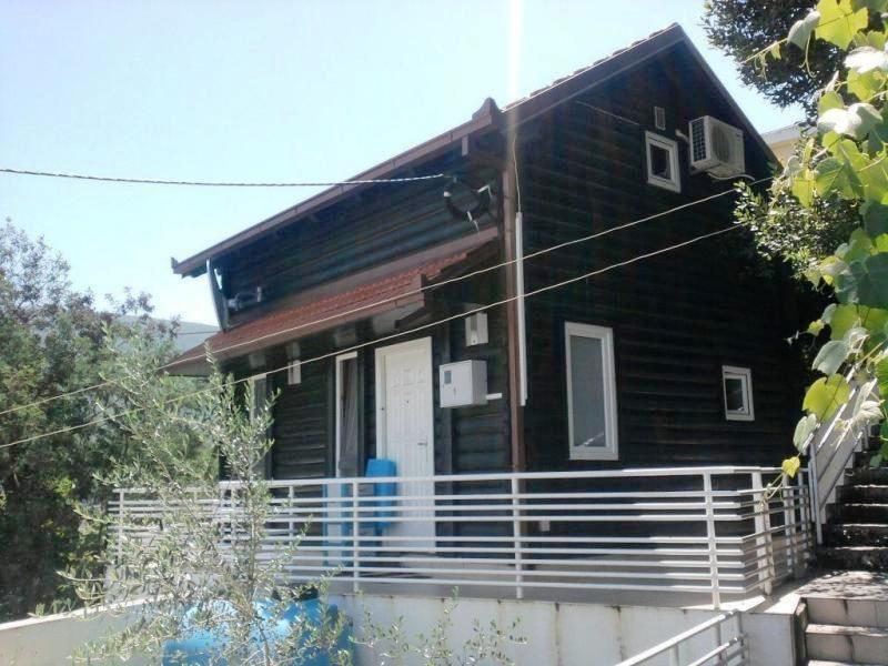 Дом в Дженовичах, Черногория, 68 м2 - фото 1