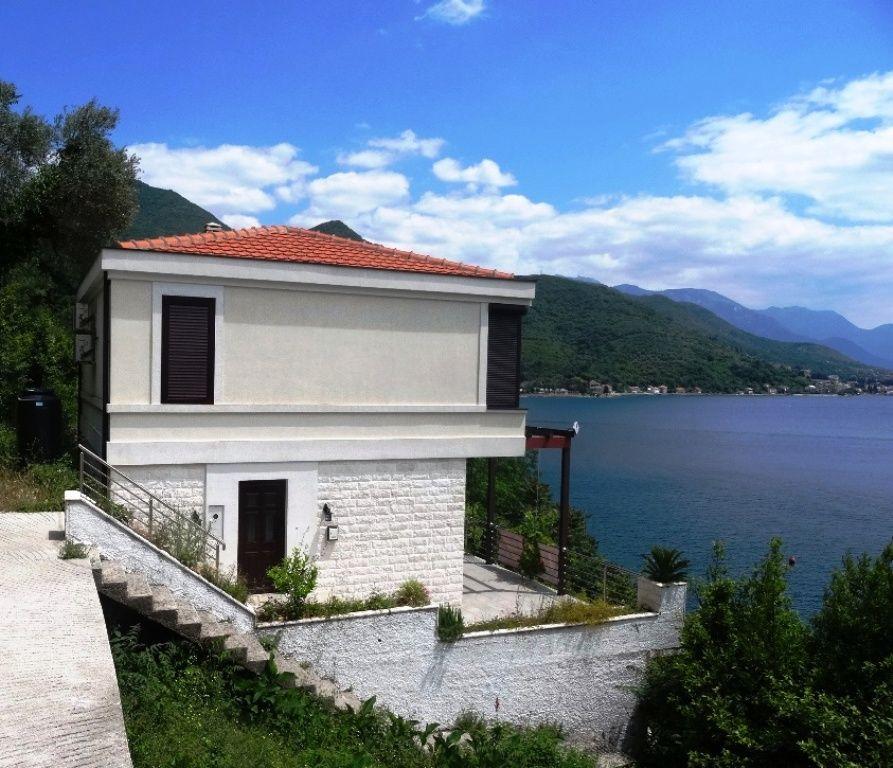 Вилла в Биеле, Черногория, 140 м2 - фото 1