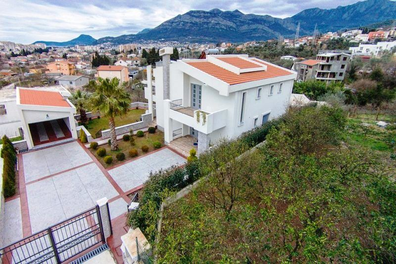 Дом в Баре, Черногория, 292 м2 - фото 1