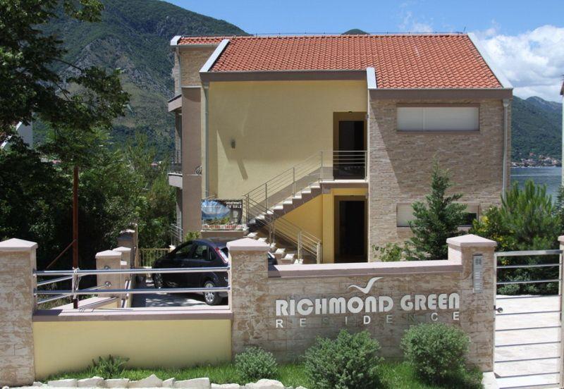 Квартира в Доброте, Черногория, 148 м2 - фото 1