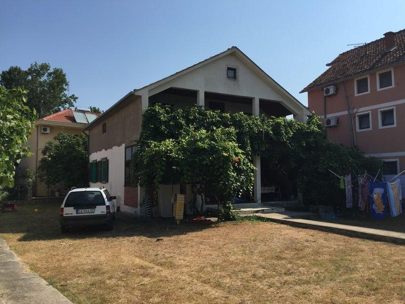 Дом в Улцине, Черногория, 186 м2 - фото 1