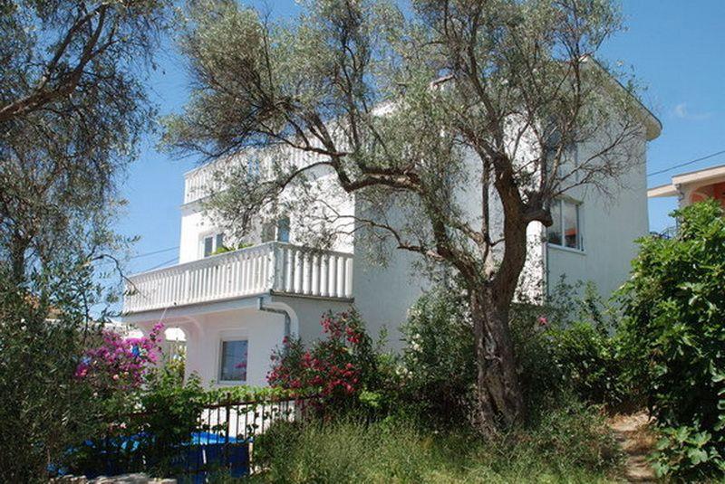 Дом в Баре, Черногория, 240 м2 - фото 1