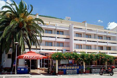 Отель, гостиница в Будве, Черногория, 2142 м2 - фото 1