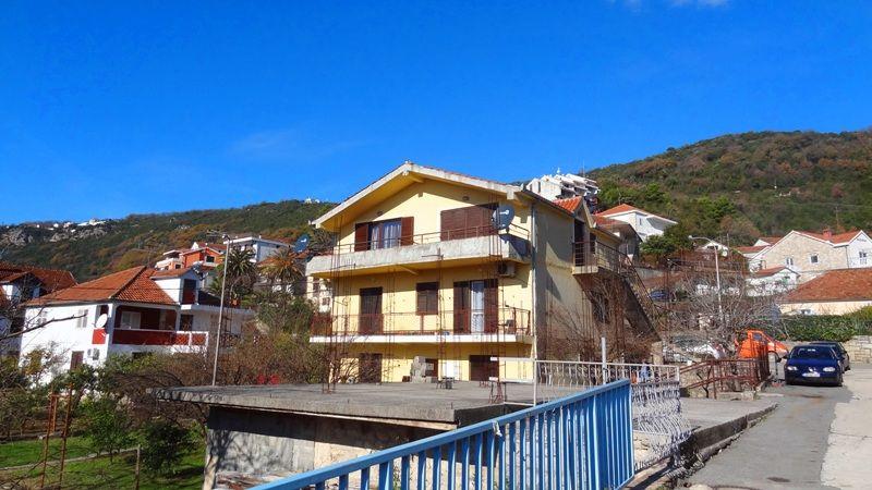 Квартира в Херцеге Нови, Черногория, 62 м2 - фото 1