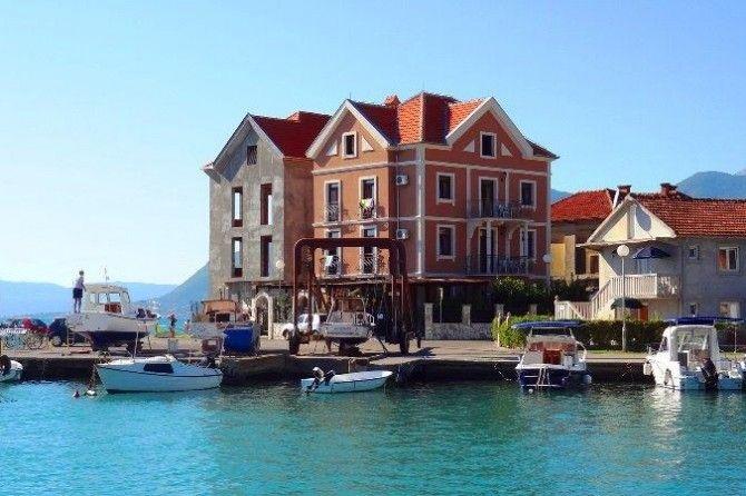 Отель, гостиница в Тивате, Черногория, 363 м2 - фото 1