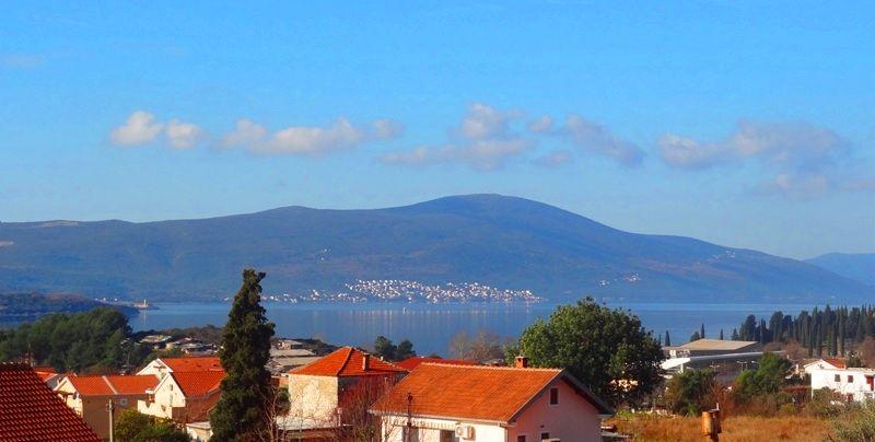 Дом в Тивате, Черногория, 330 м2 - фото 1