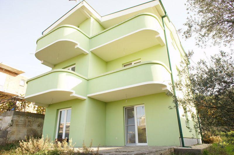 Отель, гостиница в Добра Воде, Черногория, 240 м2 - фото 1
