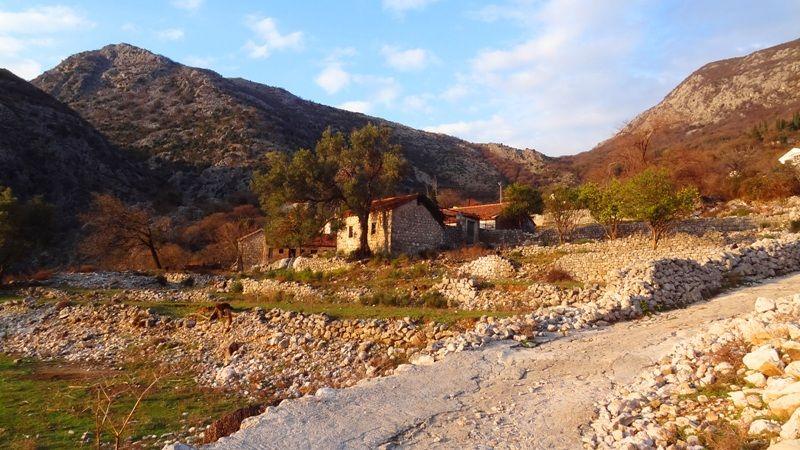 Земля в Рисане, Черногория, 3279 м2 - фото 1