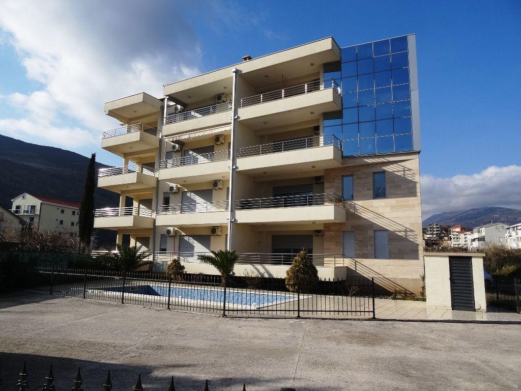 Квартира в Игало, Черногория, 132 м2 - фото 1