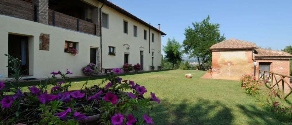 House prices in Tuscany