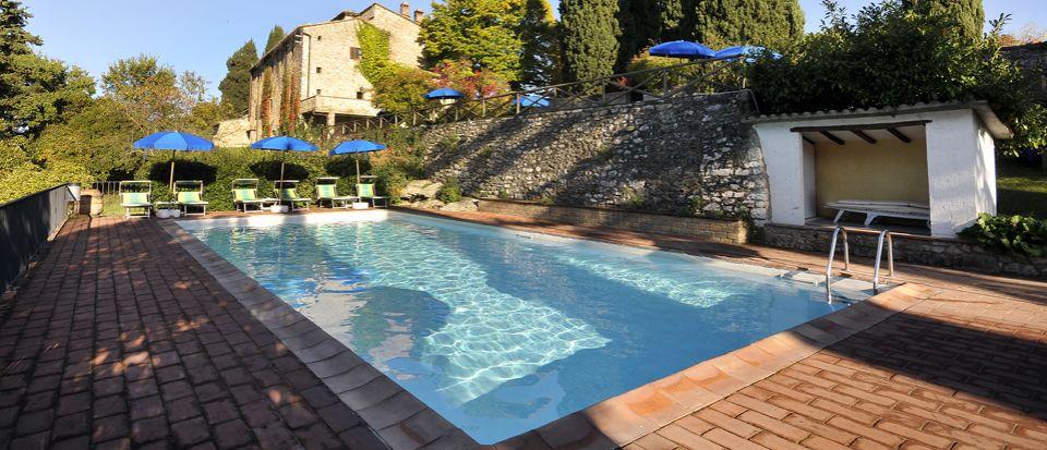 Отель, гостиница в Сиене, Италия, 5265 м2 - фото 1