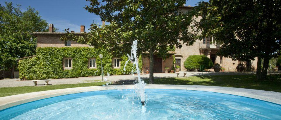 Отель, гостиница в Сиене, Италия, 1150 м2 - фото 1