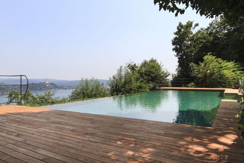 Квартира у озера Маджоре, Италия, 180 м2 - фото 1