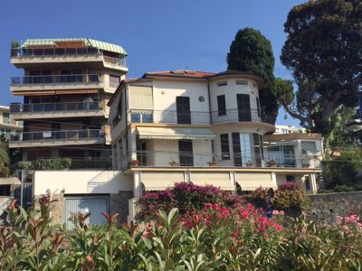 Вилла в Сан-Ремо, Италия - фото 1