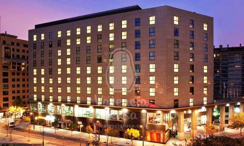 Отель, гостиница в Валенсии, Испания, 18000 м2 - фото 1
