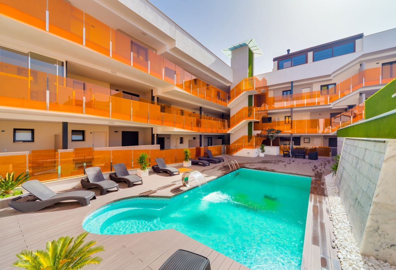 Апартаменты в Торревьехе, Испания, 108 м2 - фото 1