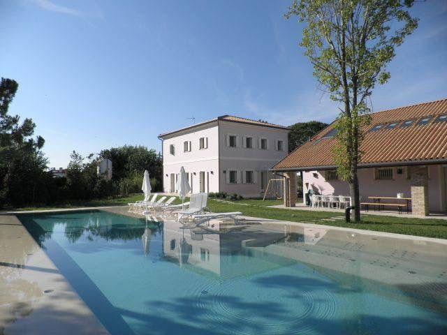 Вилла в Лидо ди Езоло, Италия, 5000 м2 - фото 1