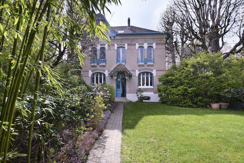Дом в Париже, Франция, 600 м2 - фото 1