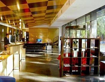 Отель, гостиница в Барселоне, Испания, 2500 м2 - фото 1