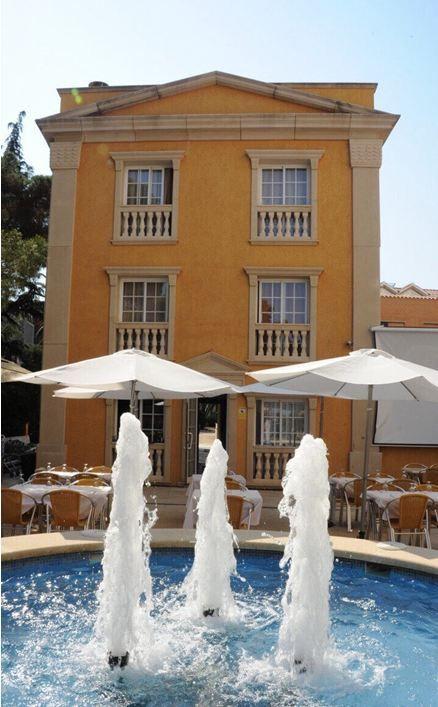 Отель, гостиница в Жироне, Испания, 650 м2 - фото 1