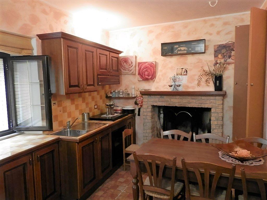 Дом в Молизе, Италия - фото 1