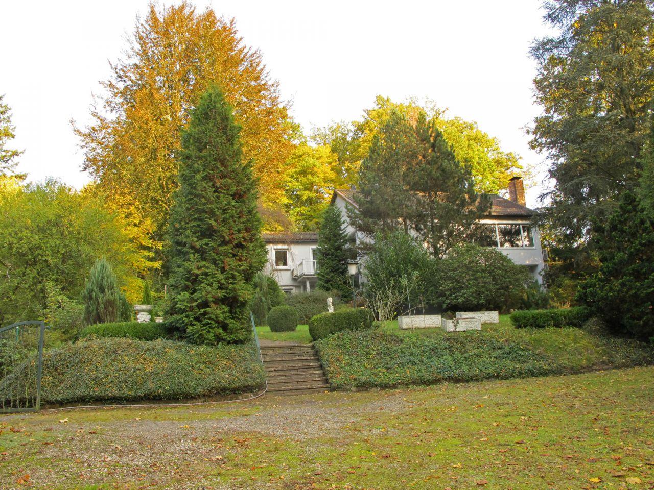 Дом в Баден-Бадене, Германия, 2400 м2 - фото 1