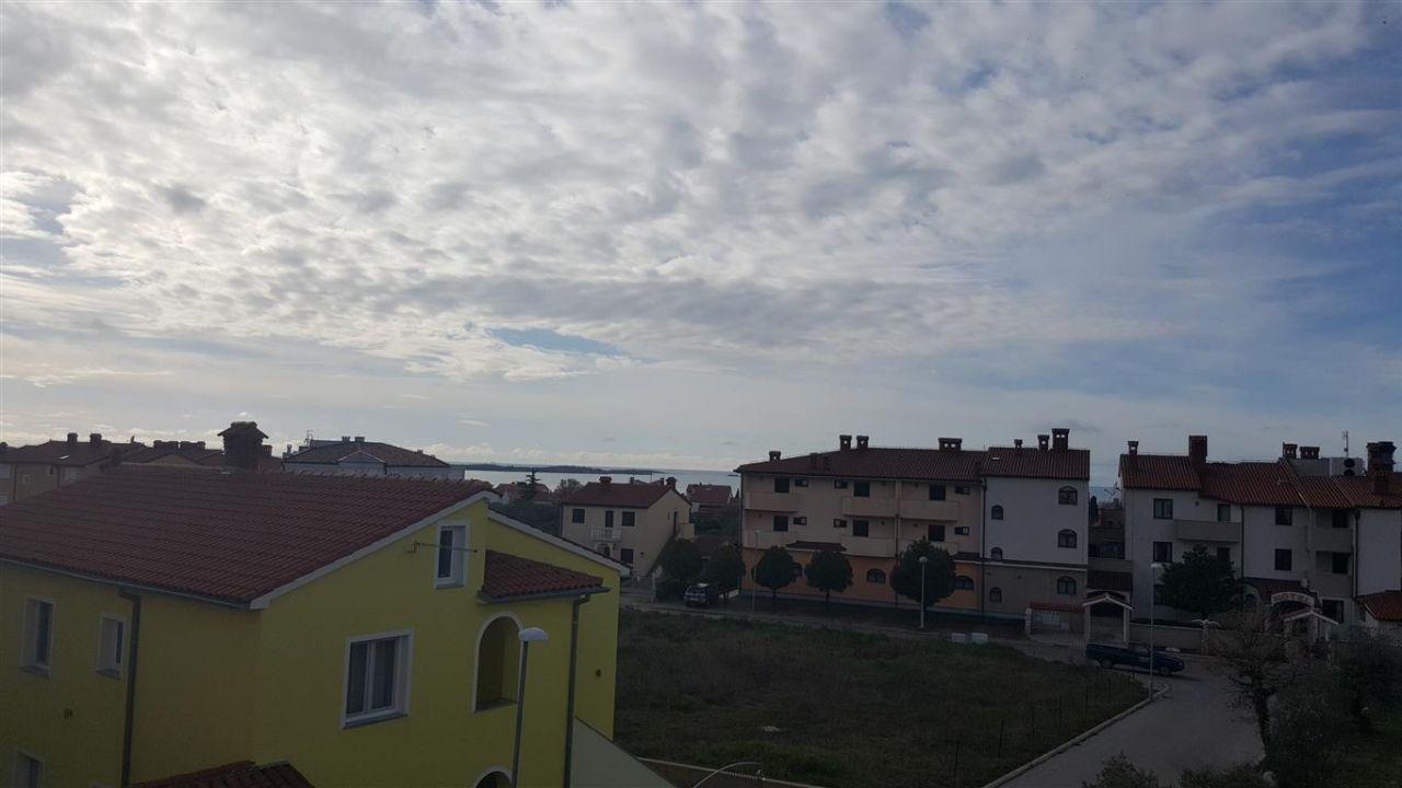 Квартира в Перое, Хорватия, 70 м2 - фото 1