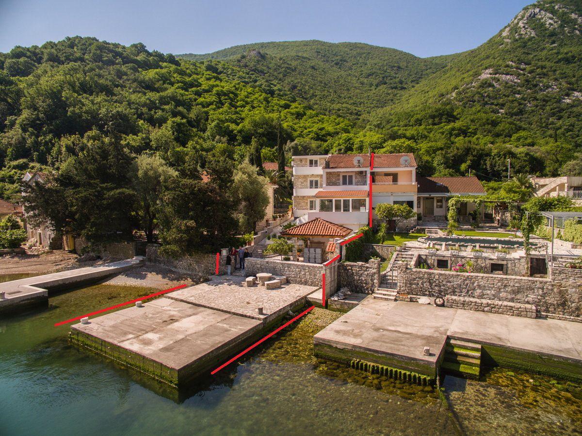 Вилла в Которе, Черногория, 320 м2 - фото 1