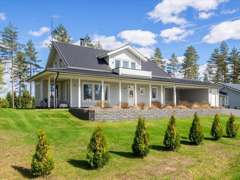 Дом в Юва, Финляндия, 1453 м2 - фото 1