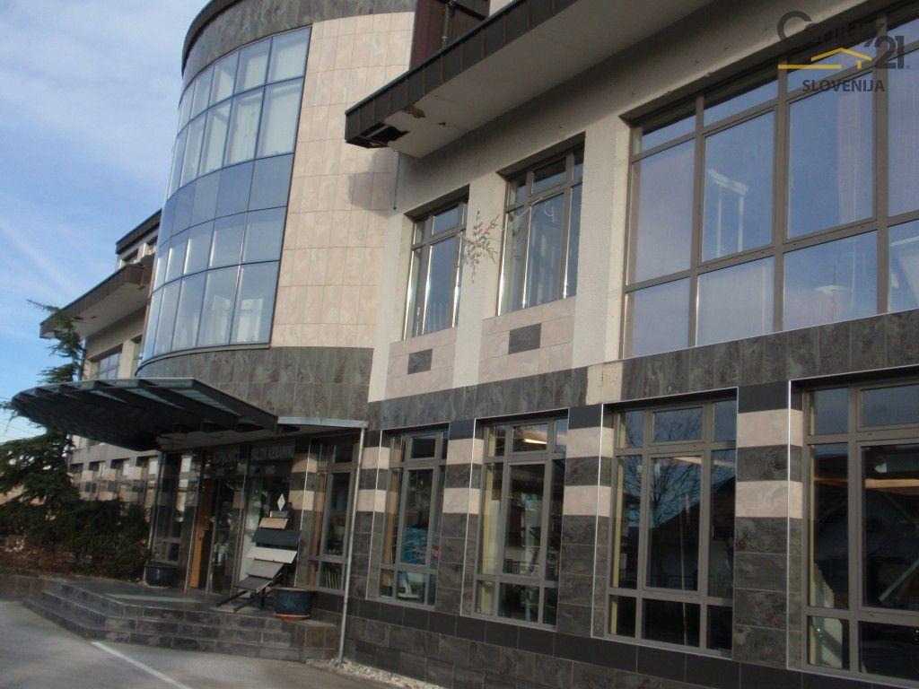 Коммерческая недвижимость в Мариборе, Словения, 1215.9 м2 - фото 1