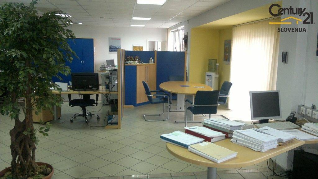 Офис в Мариборе, Словения, 254.7 м2 - фото 10