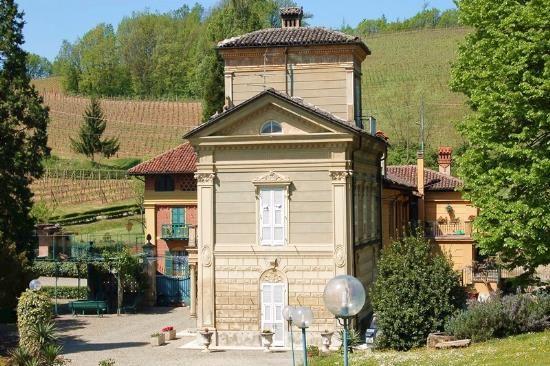 Вилла в Пьемонте, Италия, 8515 м2 - фото 1