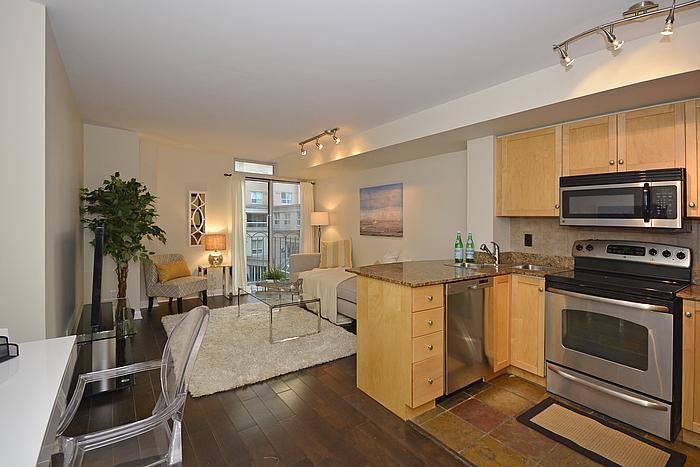 Квартира в Торонто, Канада, 50 м2 - фото 1