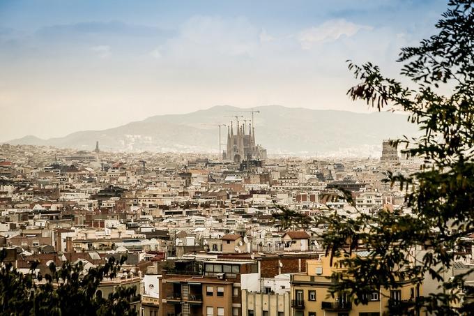Дорого ли жить в испании купить дворец замок
