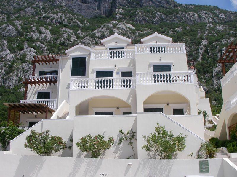 Квартира в Доброте, Черногория, 86 м2 - фото 1
