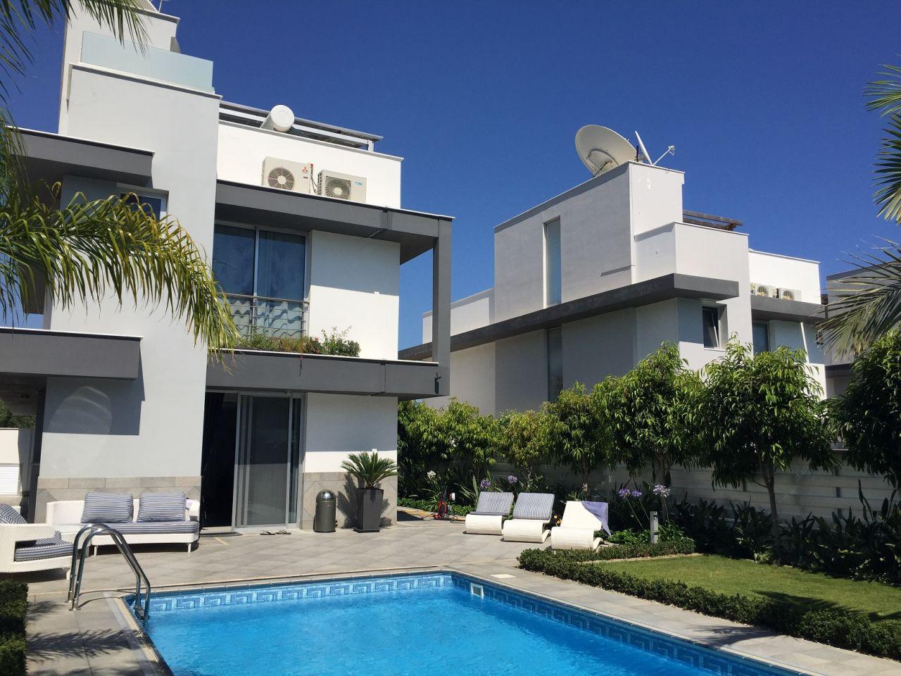 Вилла в Лимассоле, Кипр, 381 м2 - фото 1