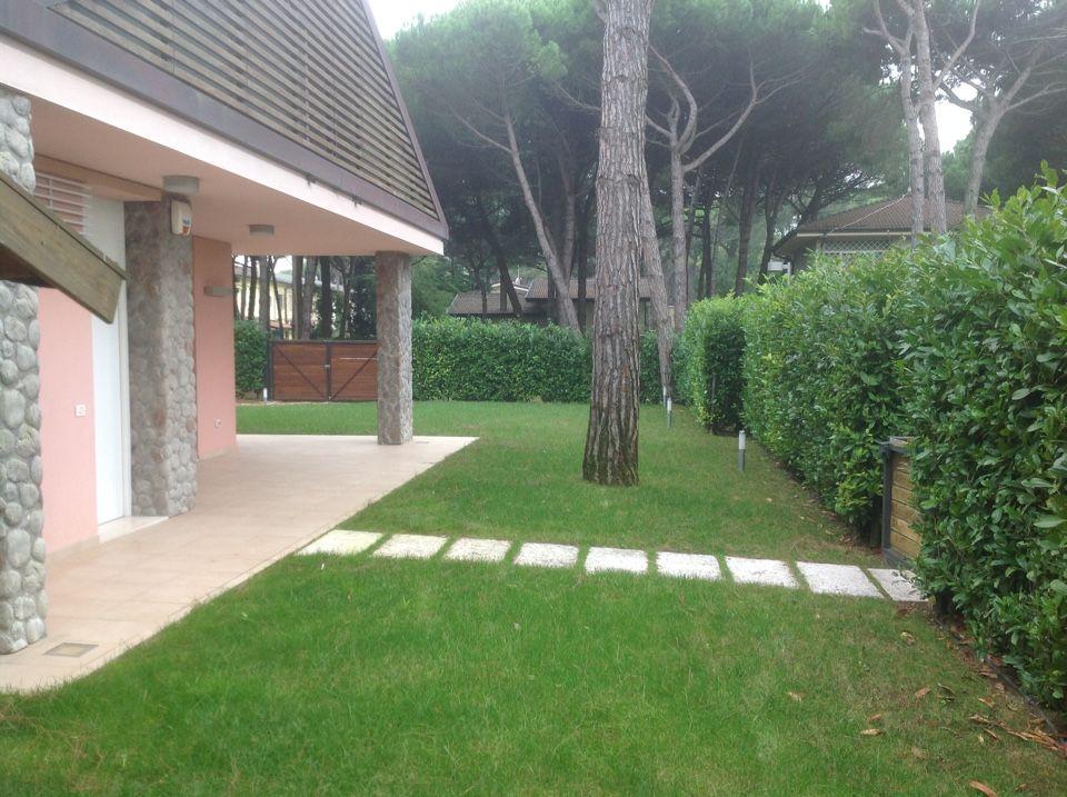 Вилла в Лидо ди Езоло, Италия, 142 м2 - фото 1