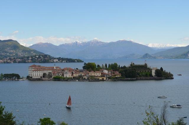 Вилла у озера Маджоре, Италия - фото 1