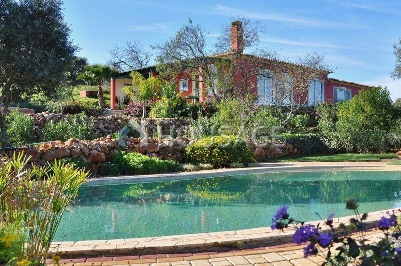 Дом в Лагуше, Португалия, 320 м2 - фото 1