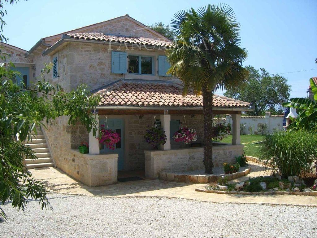 Дом в Порече, Хорватия, 850 м2 - фото 1