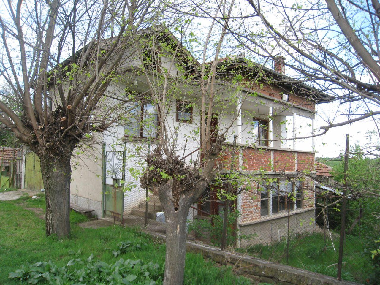 Дом в Монтане, Болгария, 1635 м2 - фото 1